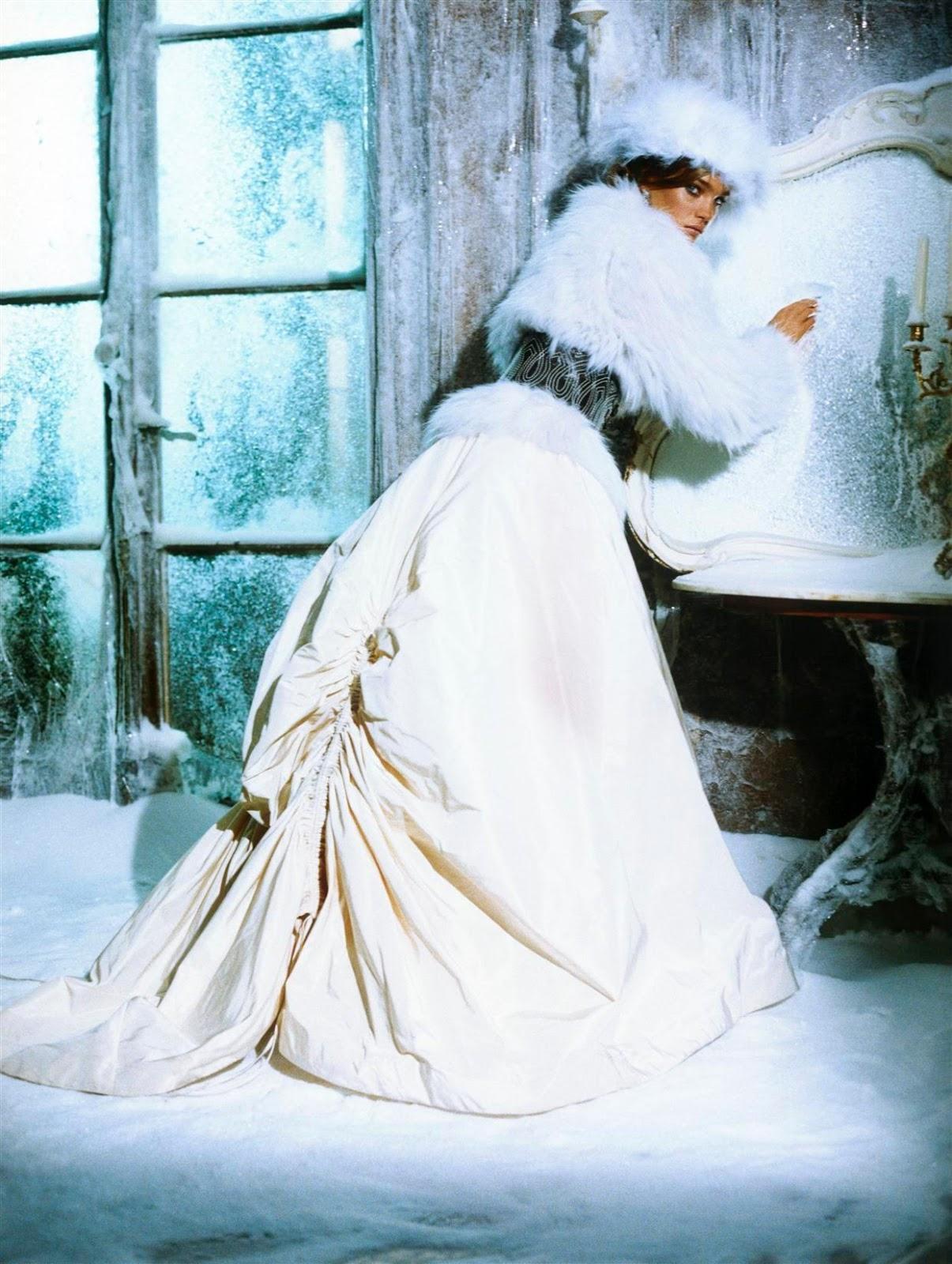 http://2.bp.blogspot.com/-DeSdzFmB1oQ/UNQkZOMIofI/AAAAAAAAzVQ/baxKpujEL0Q/s1600/The_Splendid_Allure010.jpeg