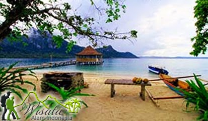 Objek Wisata Pantai Ora Ambon Maluku