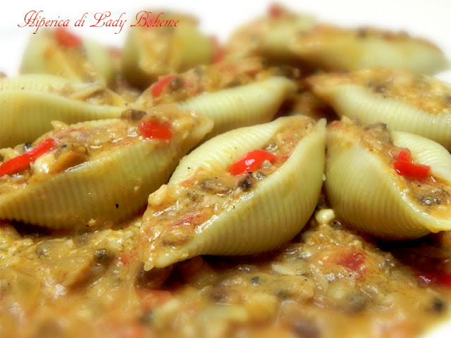 hiperica_lady_boheme_blog_di_cucina_ricette_gustose_facili_veloci_conchiglioni_ripieni_di_pesce