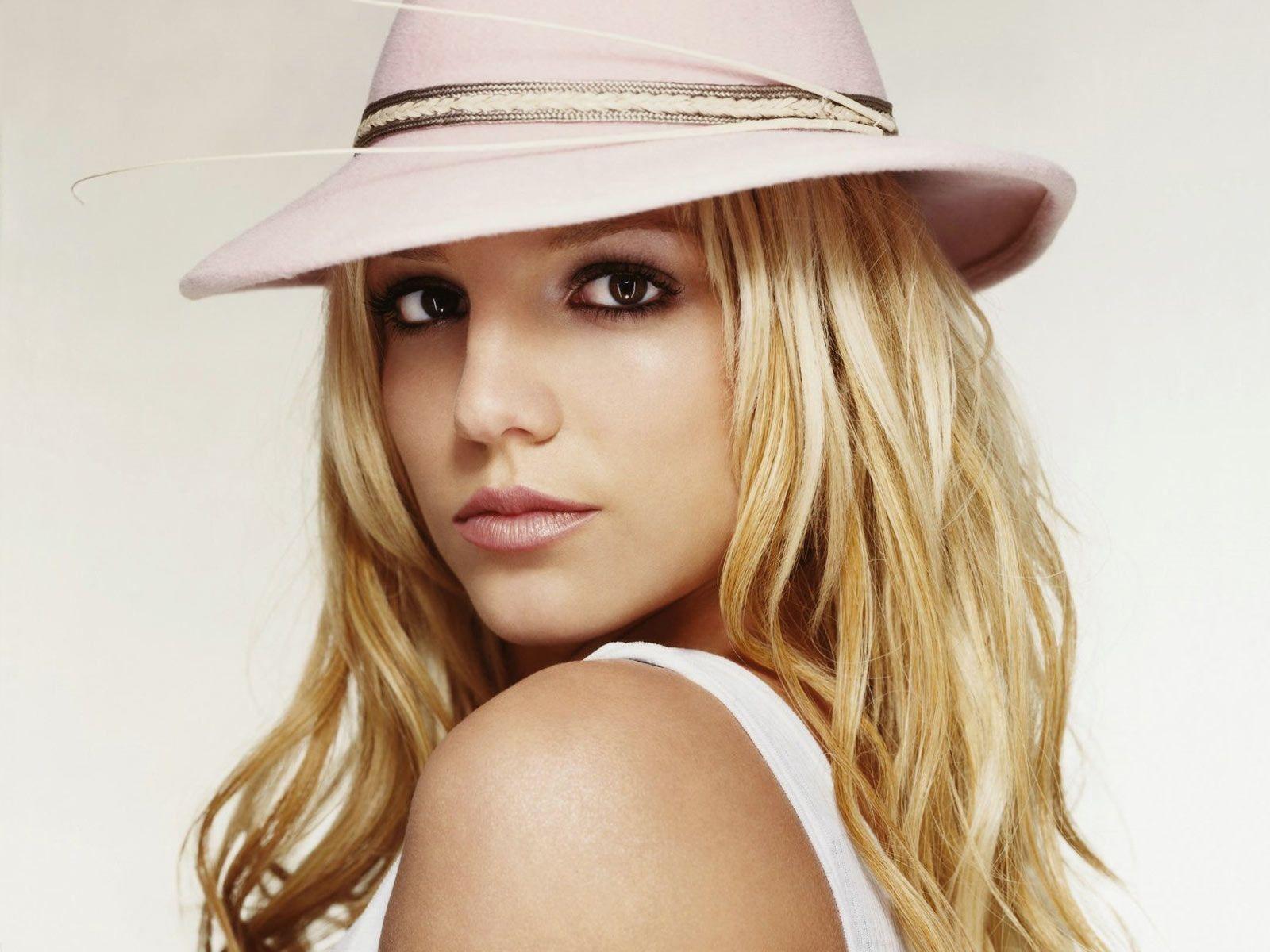 http://2.bp.blogspot.com/-Df6iCzr44h8/UQJSsAf77rI/AAAAAAAADX4/SeY7ZP10mgk/s1600/Britney-Spears-9.jpg