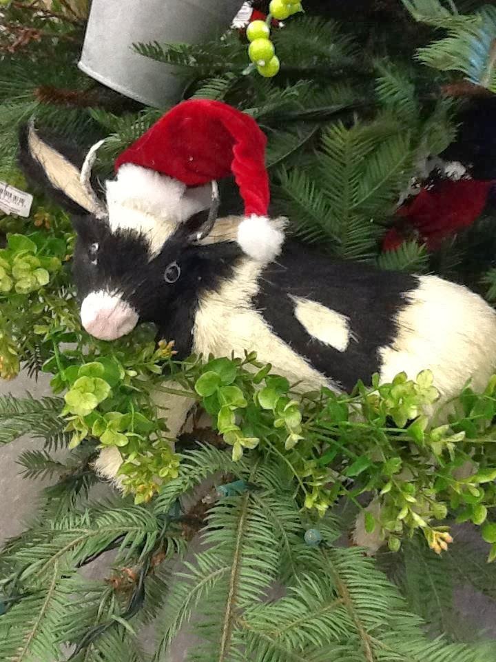 Burlap Themed Christmas Tree