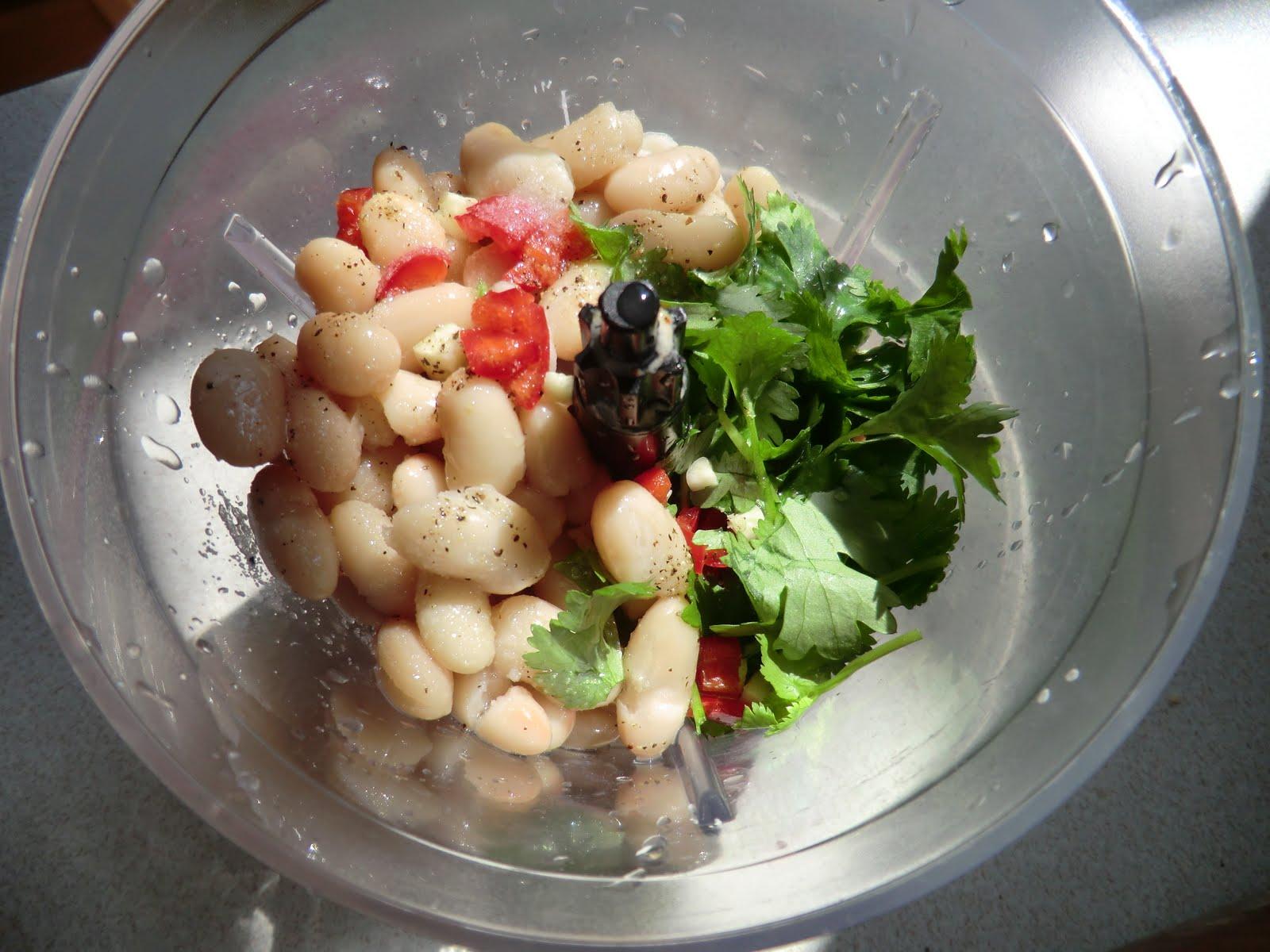 la cuisine de sarah spicy cannellini bean and coriander p t. Black Bedroom Furniture Sets. Home Design Ideas