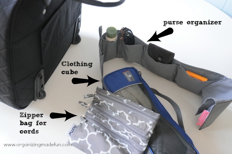 Purse organizer and clothing cubes for organizing the laptop bag :: OrganizingMadeFun.com