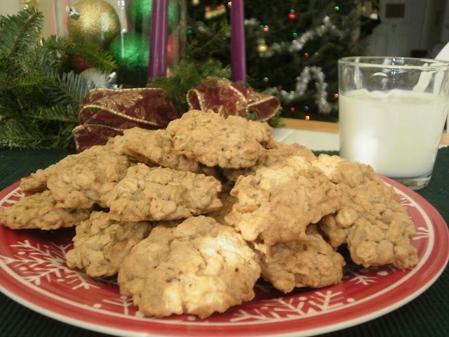 Maple Cinnamon Oatmeal Cookies