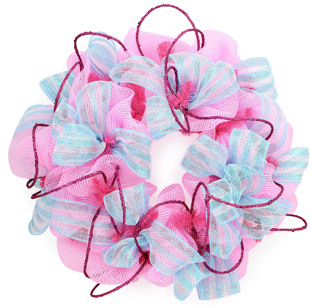 Video Tutorial: How to make a Deco Mesh Wreath | Baby Shower and Party Ideas by MardiGrasOutlet.com
