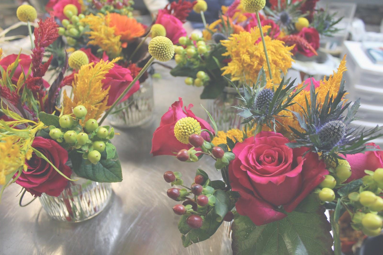 The hourglass diy mason jar floral arrangements for How to arrange flowers in mason jar
