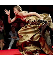 Falling Model: Lindsey Wixson Charity in Cannes