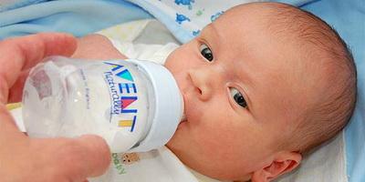 Dampak Penggunaan Dot pada Bayi