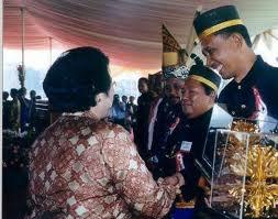 WED 2003, recieved KALPATARU Award from Megawati
