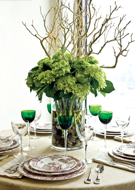 White wall manzanita branches in your interior design for Floral arrangements with branches