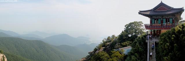 Vistas desde el templo Boriam de Namhae