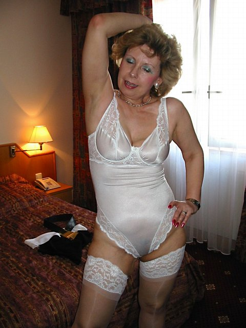 Older Woman Wanting Sex 70