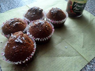 Muffiny żurawinowe z dodatkiem cappuccino chocolate.