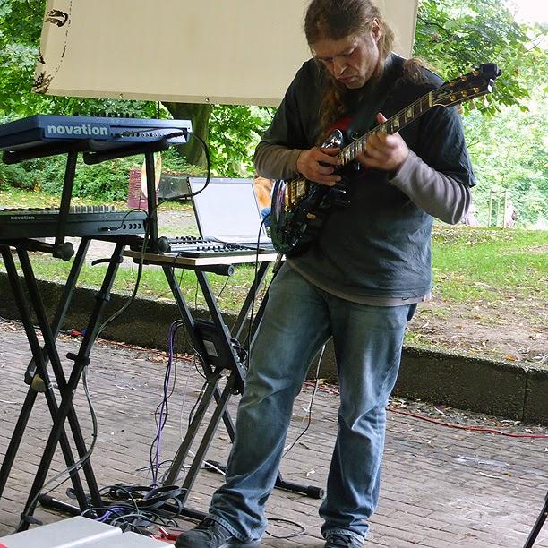 Gerd Weyhing live @ Schallwende Grillfest, Grugapark, Essen, 2013 / photo S. Mazars
