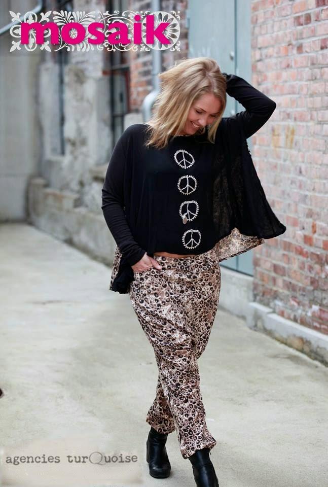 Leopardmönstrad tunika och byxa Bisa från agencies turQuoise