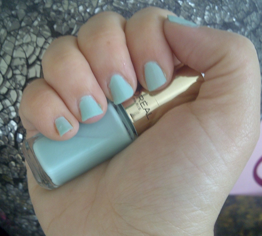 BeautySwot: Nails Of The Day (NOTD) L\'Oreal Color Riche Perle De Jade
