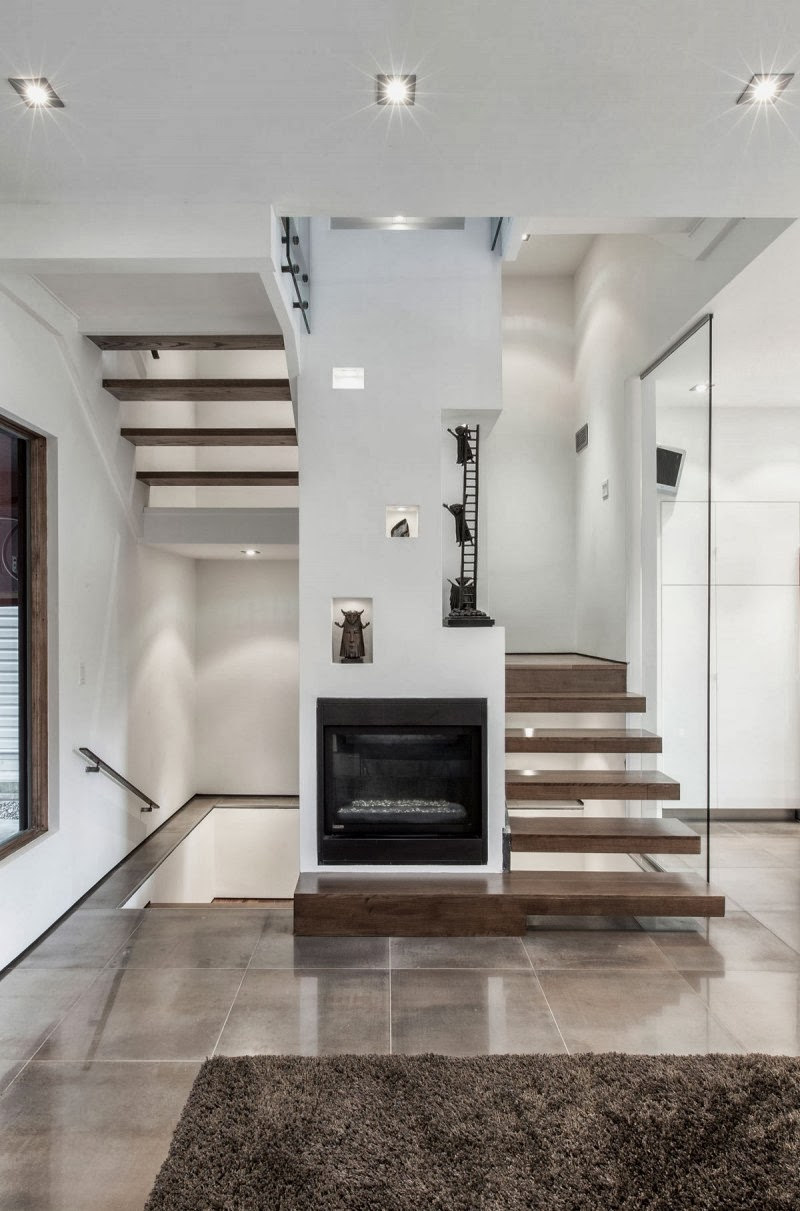Hogares frescos casa con arquitectura exterior moderna y for Salas con escaleras