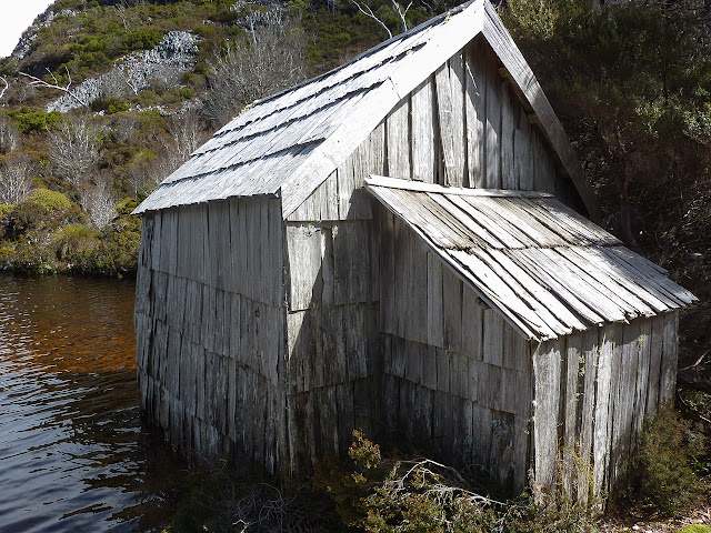 boatshed on crater lake