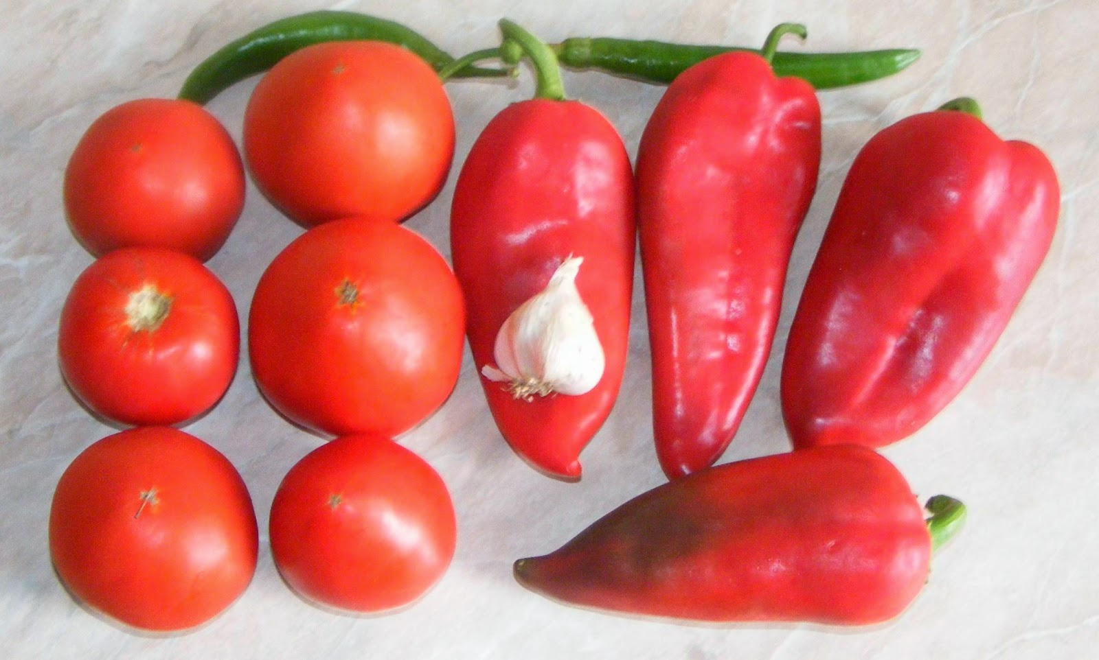 legume, legume pentru saramura de peste, rosii, rosii pentru saramurade peste, rosii pentru gratar, ardei, ardei kapia, ardei kapia pentru saramura de peste, ardei kapia pentru gratar, retete cu legume, retete si preparate culinare legume la gratar,