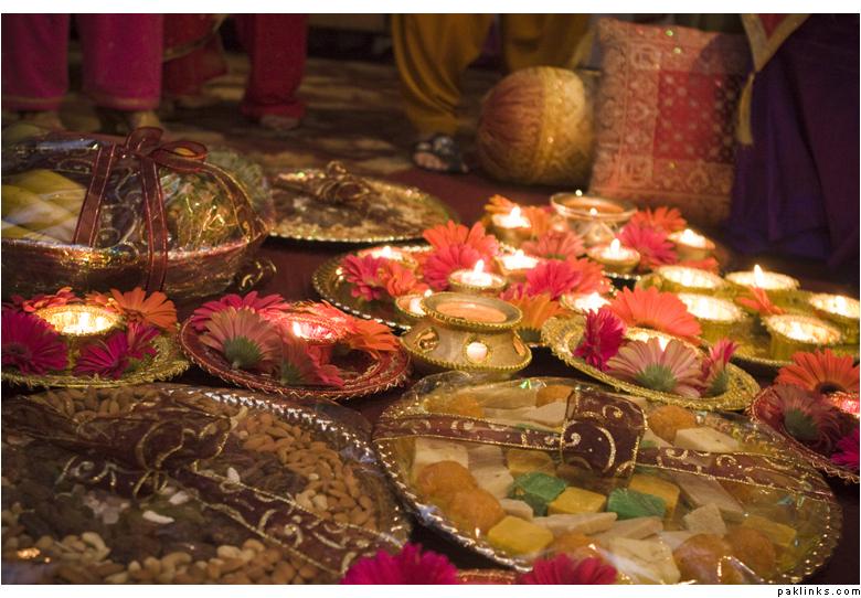 Mehndi Ceremony Decoration : Latest pakistani indians arabic mehndi design jewelry