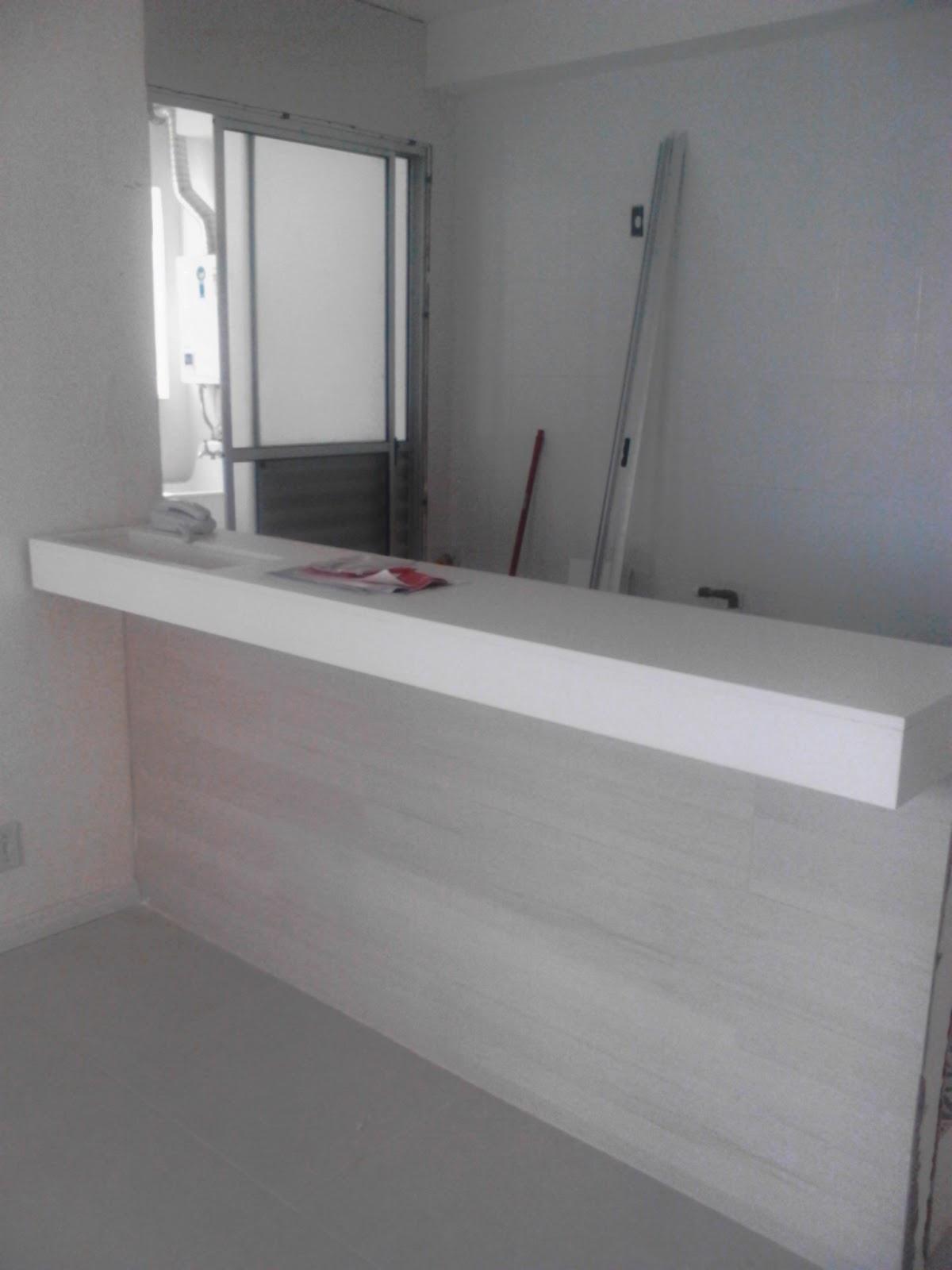Esse é o balcão da cozinha americana. Todo em madeira branca e  #5C464B 1200 1600