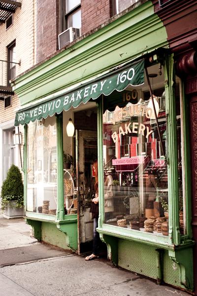 Vesuvio Bakery storefront | Soho | photo Marika Järv