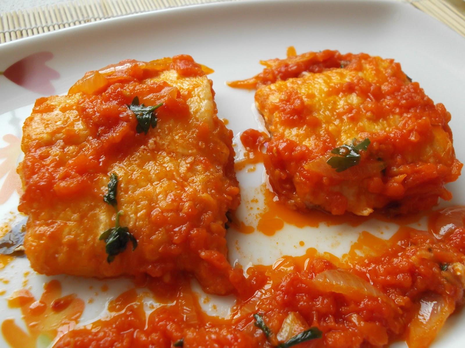 Platos y dulces bacalao con tomate - Bacalao fresco con tomate ...