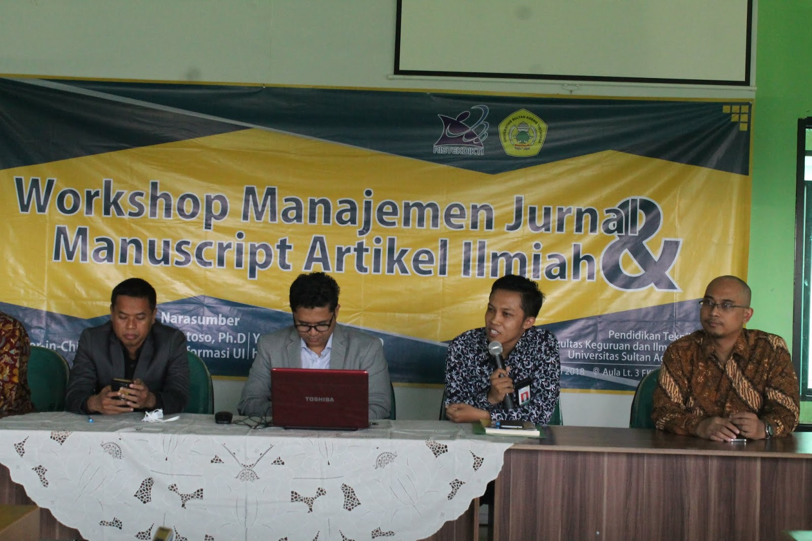Para Narasumber Workshop Jurnal