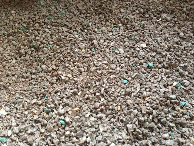 crushed polyester for use in furniture mould