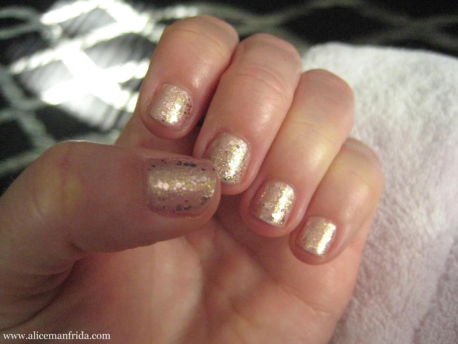sparkle, rose gold, gold, pink, nails, nail polish, manicure, Milani,deborah lippmann