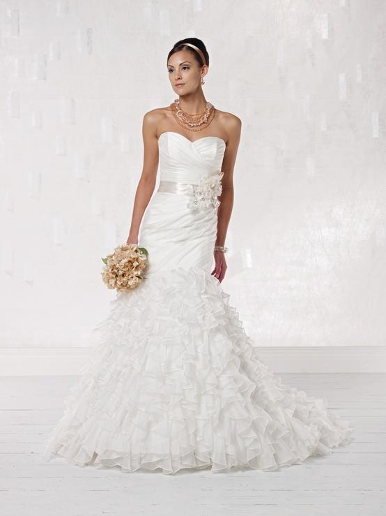 Comment concevoir une robe de mariée