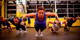 Benefícios de exercícios com a fita de suspensão no Pilates