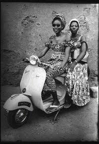 untitled photograph by Seydou Keïta (1953/1994)
