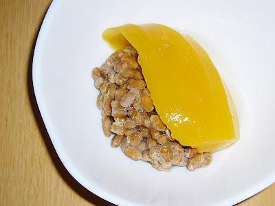 納豆にマンゴーの缶詰感覚