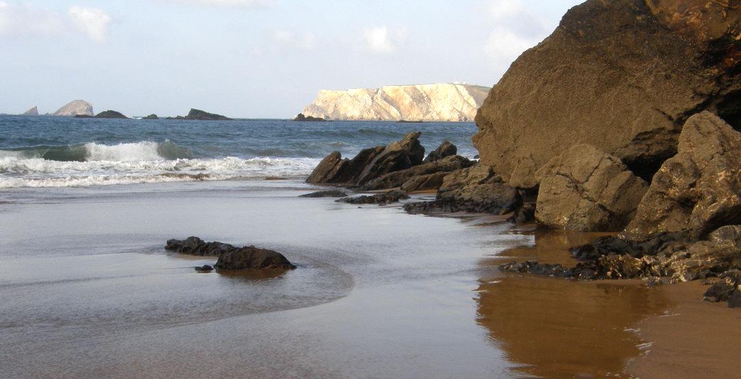 Playa nudista Aguilera (Asturias)