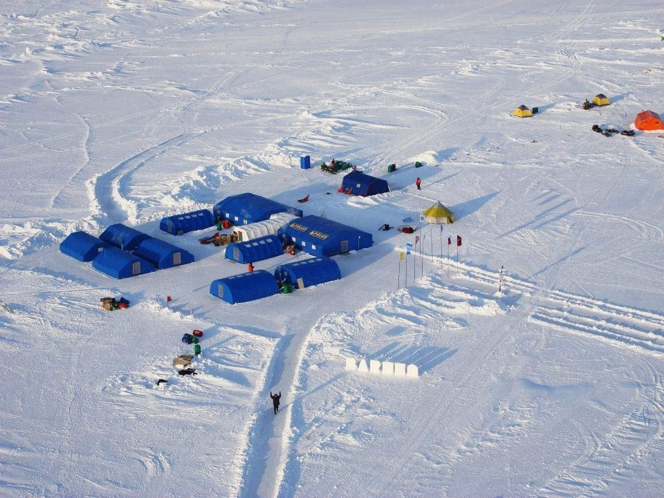 Barneo Ice C& a russian North Pole seasonal c& and ... marathon ! & Ultima Thule: Barneo Ice Camp a russian North Pole seasonal camp ...
