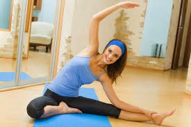 mujer haciendo ejercicio para adelgazar