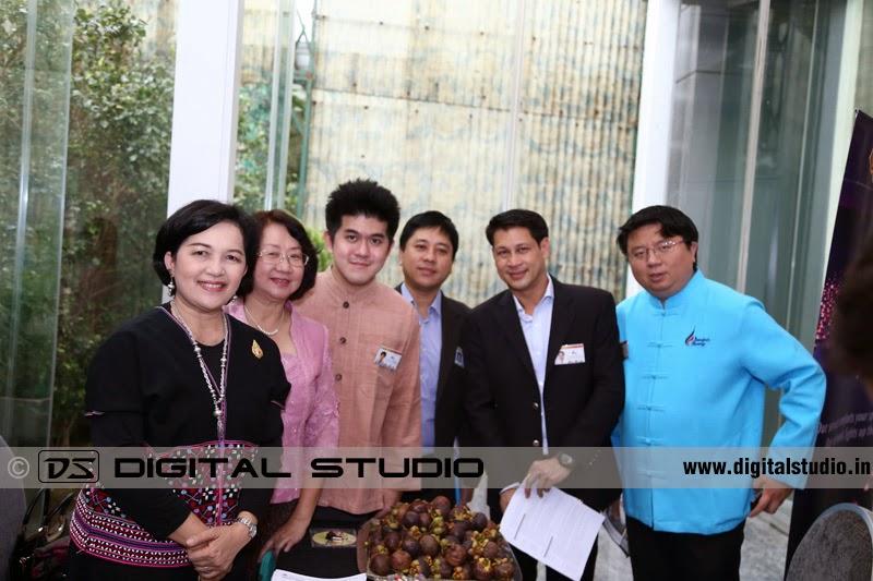 Group photograph of executives