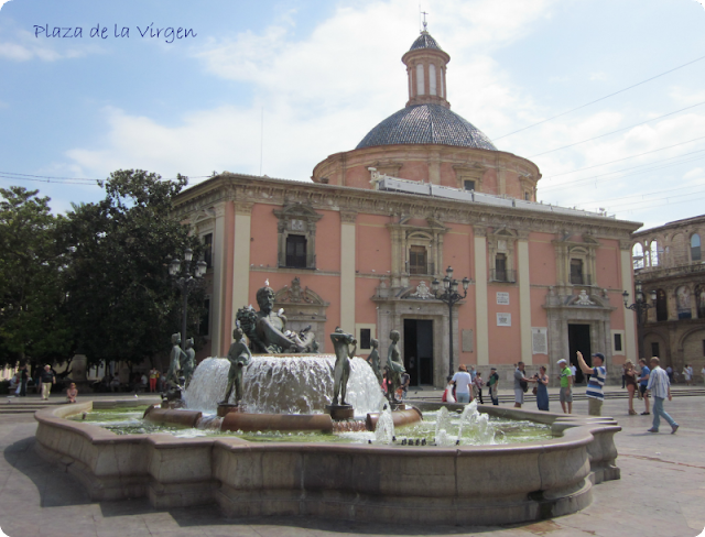 Blogger Traveller en Valencia-Plaza de la Virgen