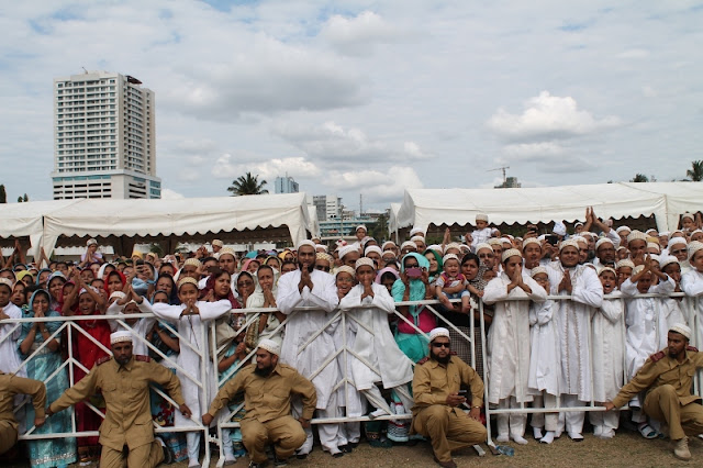 Bohra leader arrives in Dar es Salaam Welcomed by Mayor Jerry Silaa ...