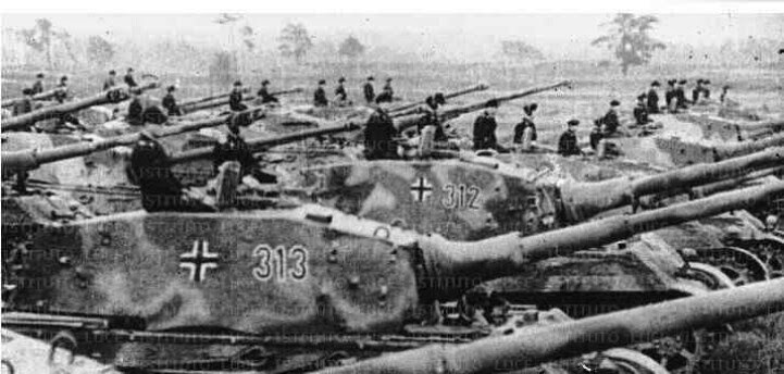 World War Ii In Pictures King Tiger Ii Lord Of The