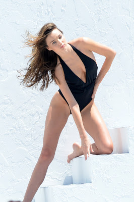 Miranda Kerr accidental topless photos from Victoria's Secret Bikini shoot in Miami