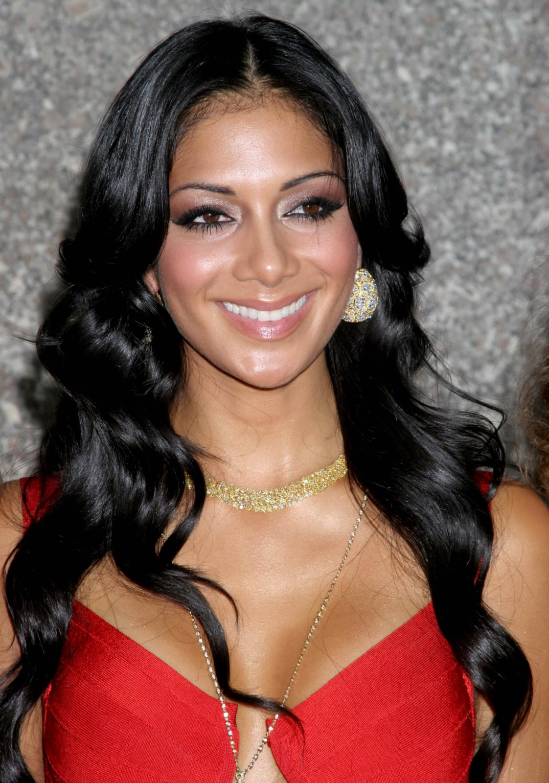 Nicole Scherzinger Fashionable Hairstyles Photos 01
