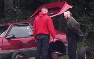 Κανένας δεν σταμάτησε να τον βοηθήσει όταν χάλασε το αυτοκίνητο του - Εκτός από ΕΝΑΝ