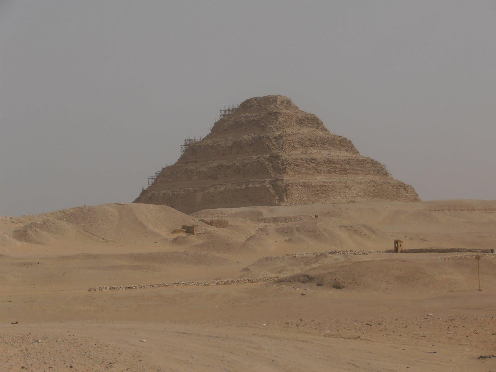 Lost in London: Cairo: a visita às Pirâmides requer precaução em  #7D654E 1600 1200