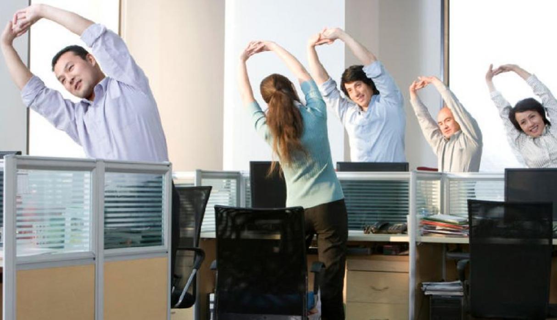 Levantarse del escritorio y estirarse, es justo y necesario | SICOM Py