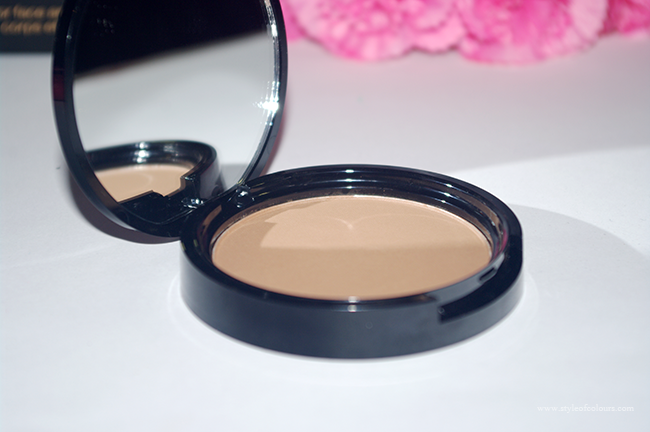 NYX Matte Bronzer with mirror