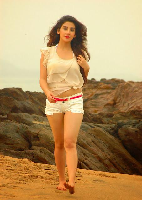 Hot Parul Gulati beach photoshoot