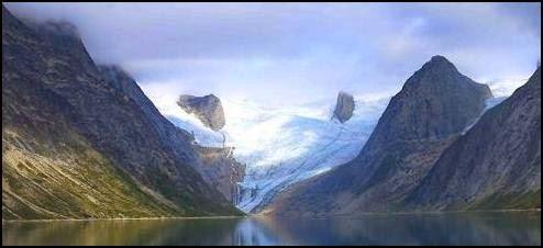 fiordo Tasermiut, Groenlandia, Greenland, vikingos, nórdicos, Erik, Thjodhilde, Leif, drakkar, Cálido medieval, Óptimo Cálido, Vinland, Markland, Helluland, vikingos América, pequeña era de hielo, Karlsefni, Leifbundir, patrologia latina, islendingabok, Thingeyre, Bergthorson, Saemundsson, Skraelings, Saqqaq, Lamb, CO2, cambio climático, tierra verde, Gardar, Brattahlid, Herjolfnes, Tasermiut, Hvalsey, Narsarsuaq, Snelland, Floki Vilgerdarson, Gunnjar Ulf-Krakason, Bardarson, Under the sand, Terranova, Dorset, Pangea, Mas alla de Pangea, colonizacion de Groenlandia, medieval
