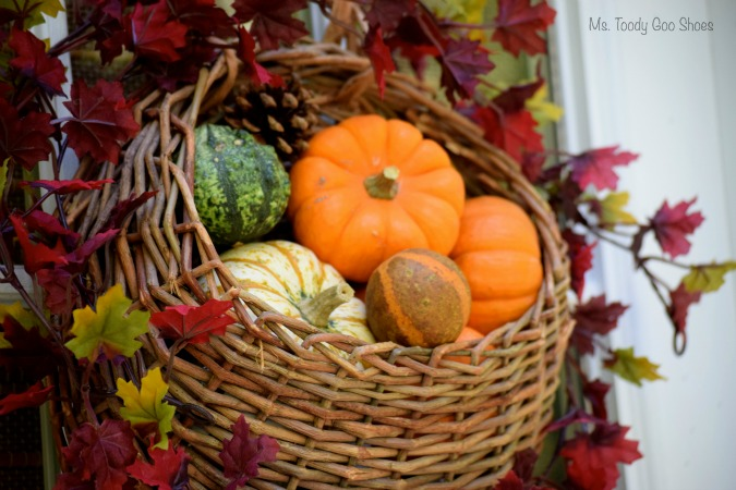DIY Hanging Door Basket: An easy way to add some fall color to your door! | Ms. Toody Goo Shoes